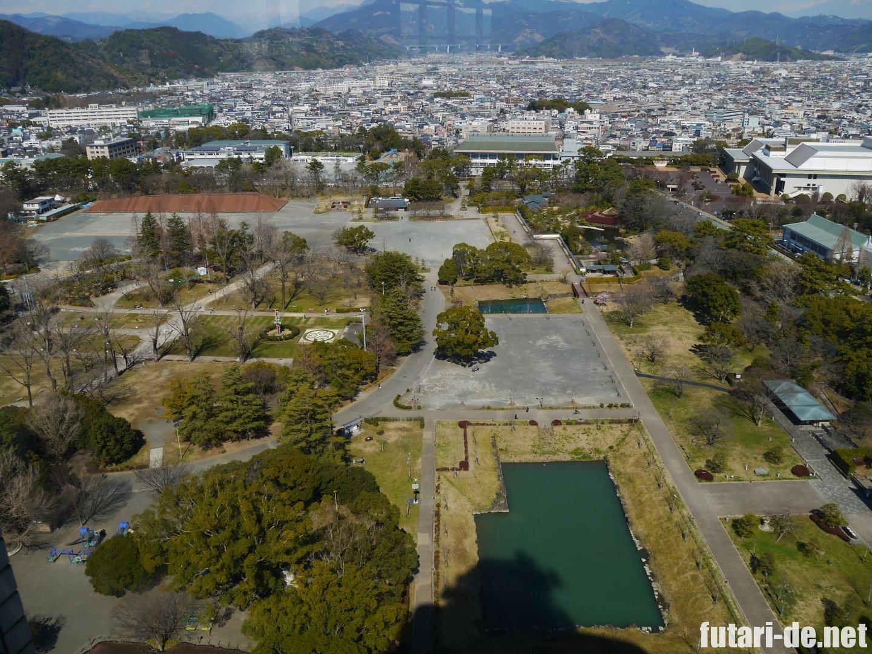 静岡県庁からみた駿府城