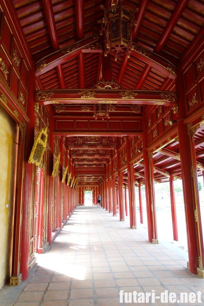 ベトナム フエ グエン朝王宮 回廊