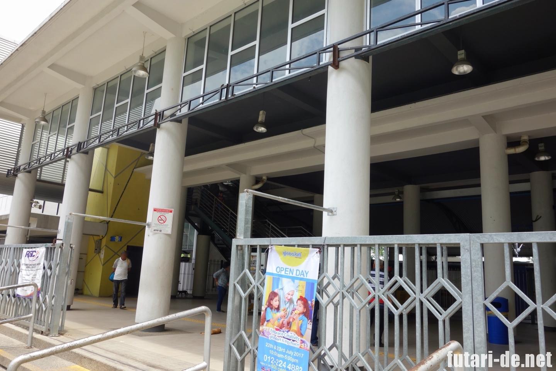 マレーシア クアラルンプール KTMコミューター バトゥケイブ
