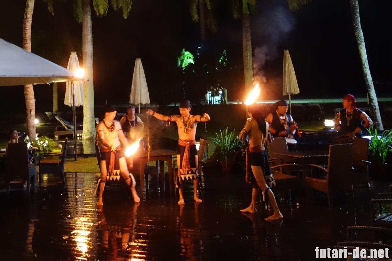 マレーシア コタキナバル シャングリララサリア ディナービュッフェ テピラウト ファイヤーショー