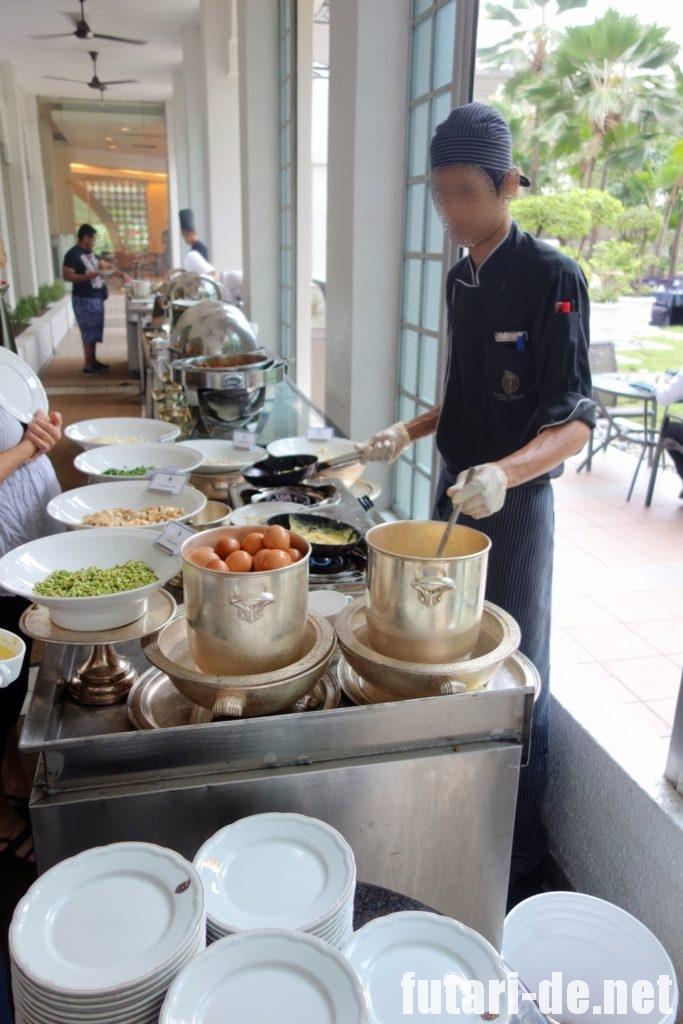 マレーシア クアラルンプール イスタナホテル Taman Sari 朝食ビュッフェ