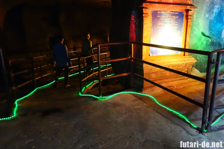 マレーシア バトゥ洞窟 ラマヤナ洞窟