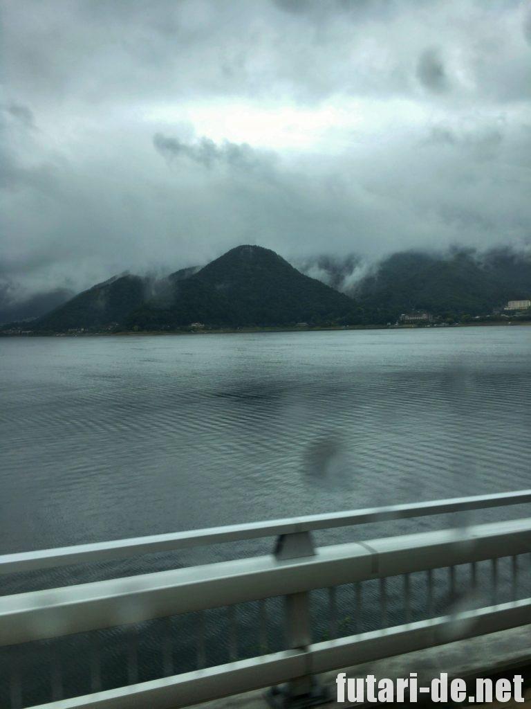 山梨県 河口湖 河口湖大橋 はとバス